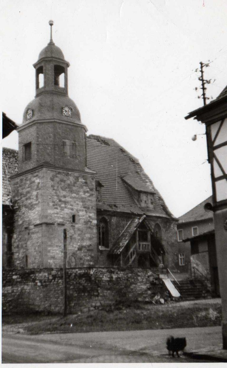 1970 er Jahre. Nordansicht kurz vor Abnahme des Daches